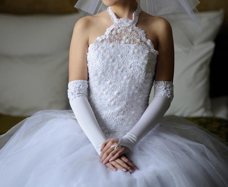 7138eb4d4b4a Vendo Abito Da Sposa E Accessori - Abbigliamento e Accessori